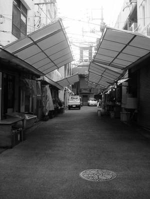 Fish_market_bw